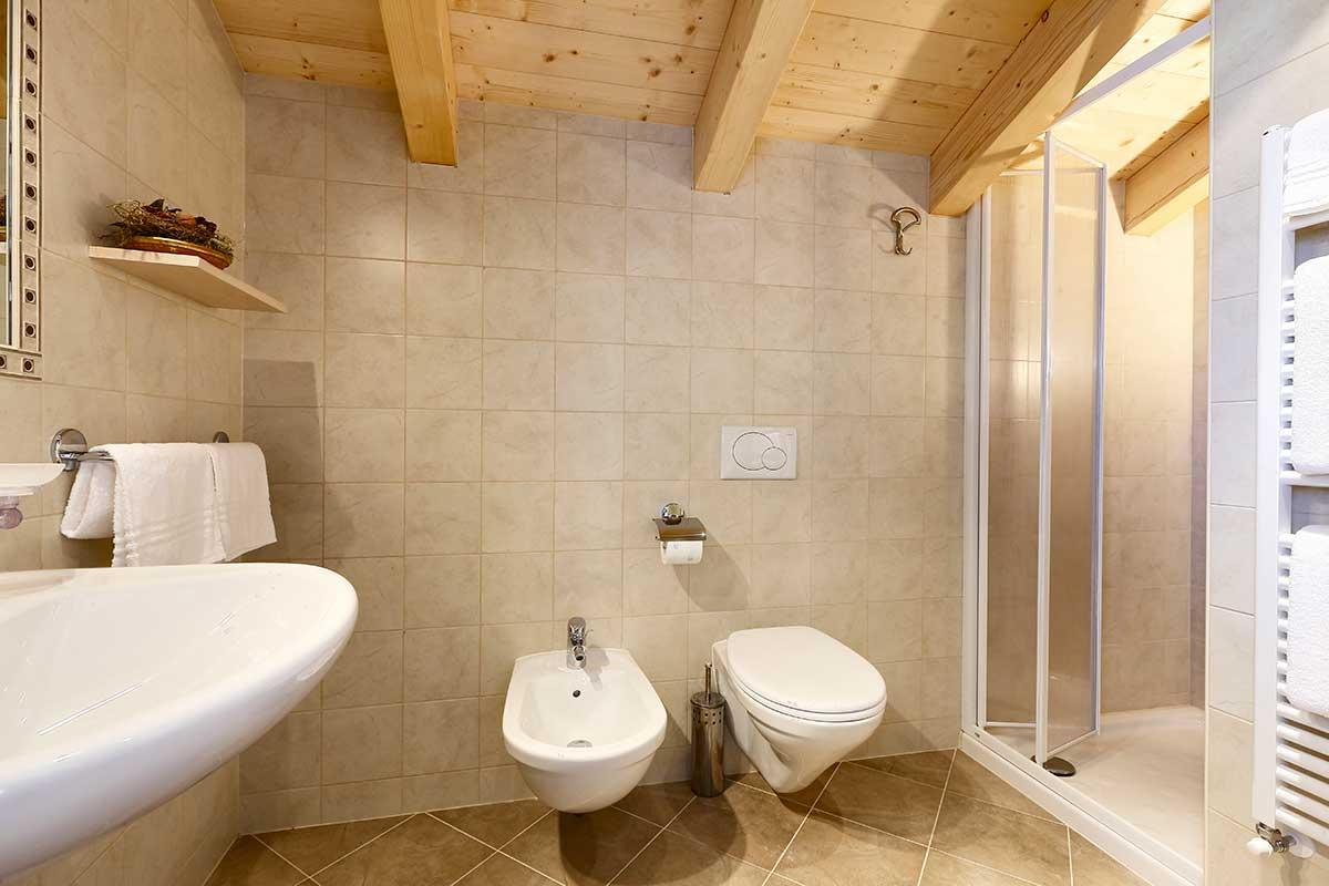 Bagno camera 4 - Suite Family - Rifugio Averau - 5 Torri - Dolomiti - Cortina d'Ampezzo