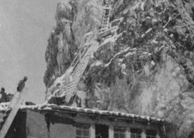 Postazione e scala cima Averau - Grande Guerra al Rifugio Averau - 5 Torri - Cortina d'Ampezzo © Collezione Museo Storico 7° Reggimento Alpini