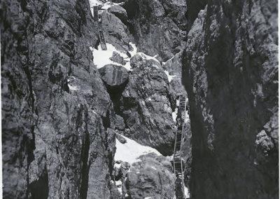 Scala per l'Osservatorio dell'Averau - Grande Guerra al Rifugio Averau - 5 Torri - Cortina d'Ampezzo © Collezione Carlo Balelli